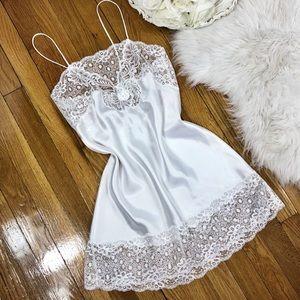 🌹Vtg Christian Dior Silky White Slip Dress🌹